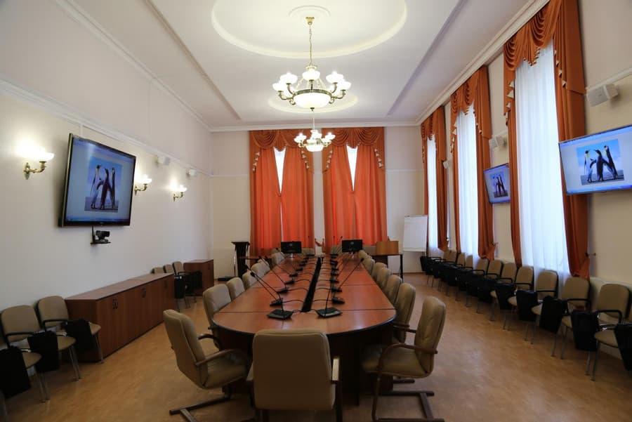Оборудование конференц зала от компании Аудио визуальные системы